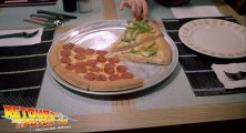 back-to-the-future-2-deleted-scenes-pizza (01)