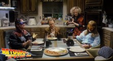 back-to-the-future-2-deleted-scenes-pizza (13)