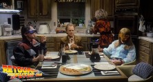 back-to-the-future-2-deleted-scenes-pizza (15)