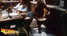 back-to-the-future-2-deleted-scenes-pizza (28)