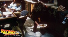 back-to-the-future-2-deleted-scenes-pizza (29)