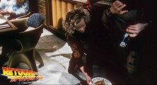 back-to-the-future-2-deleted-scenes-pizza (31)