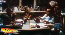 back-to-the-future-2-deleted-scenes-pizza (50)