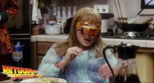 back-to-the-future-2-deleted-scenes-pizza (70)