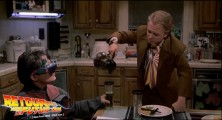 back-to-the-future-2-deleted-scenes-pizza (99d)
