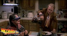 back-to-the-future-2-deleted-scenes-pizza (99g)